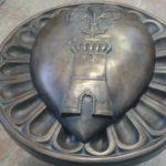 Stemma in bronzo per Banca Cambiano