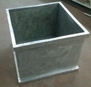 Cassone in alluminio. Collaborazione con la Francesco Del Re